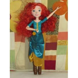 Disney Hercegnők gyönyörű  Merida baba Hasbro díszdoboz nélkül ( új )