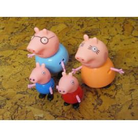 Peppa Pig Peppa figurák 4 db-os családi készlet ( új )